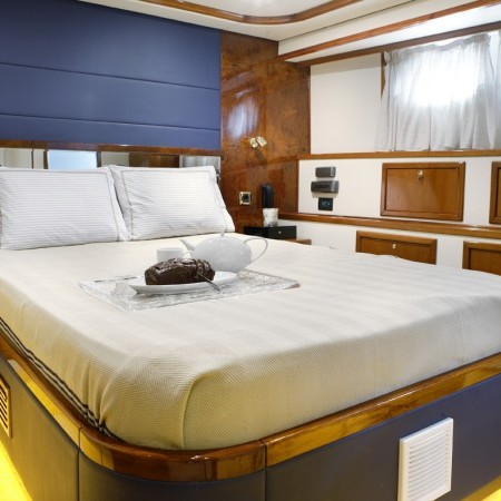 double cabin yacht