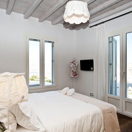 villa marbella bedroom
