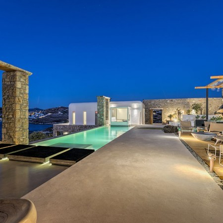 9 Bedroom Luxury Villa for rent in Myconos