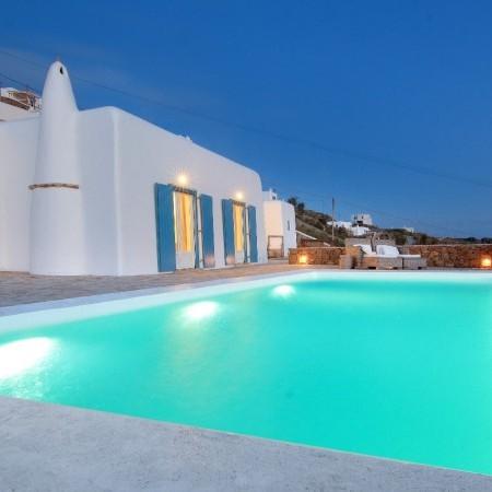 villa Esterel Mykonos at night