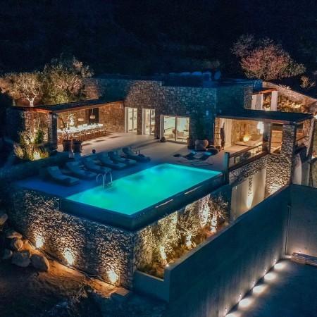 villa Beauregard Mykonos at night