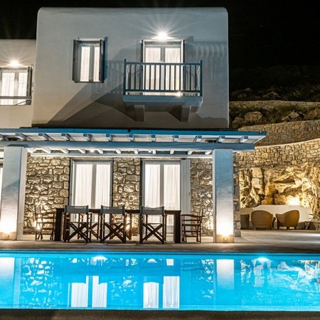 villa Serpentine 3 exterior at night