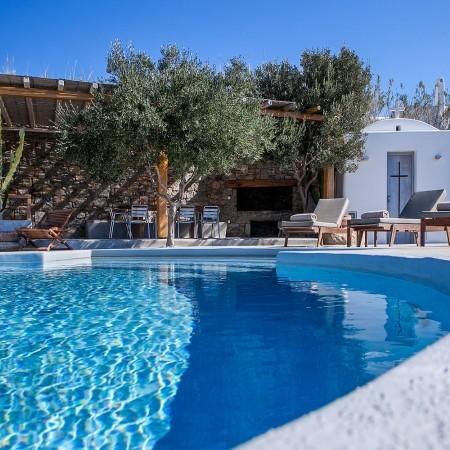 mykonos villa near Ornos beach