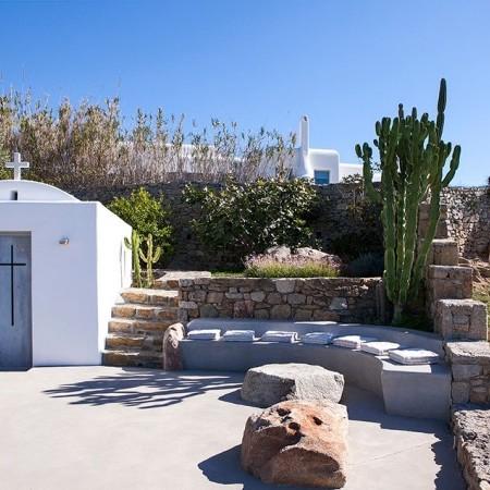 villa rental close to Ornos beach Mykonos