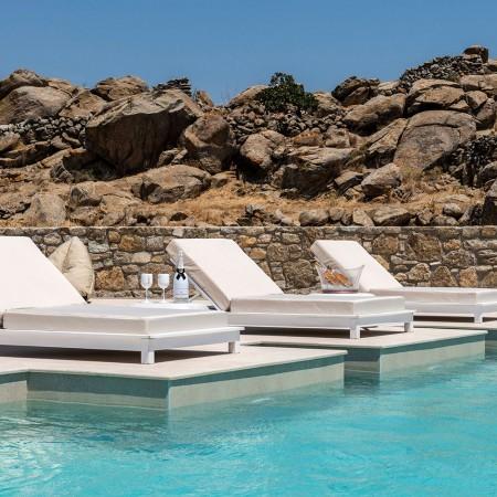 5 Suites for Rent in Paranga - Mykonos Gold