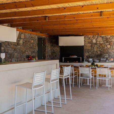 outdoor bar exterior dining area