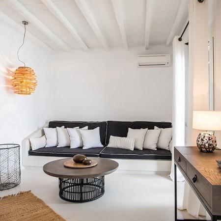 Mykonos villas swimming pool close up rent