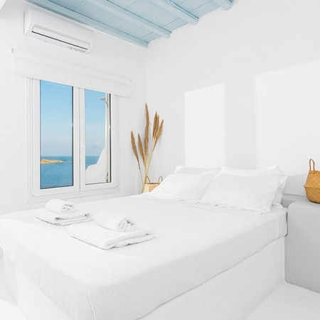 bedroom with view at the sea