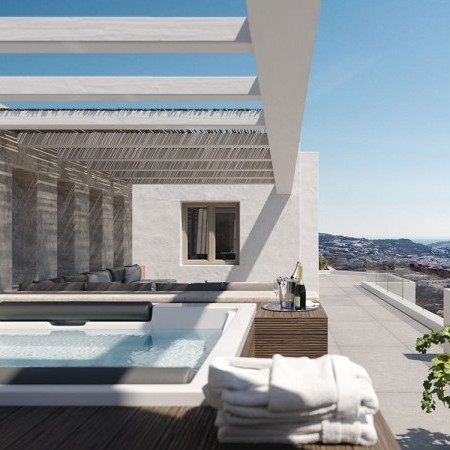 Jacuzzi at the veranda of the master bedroom