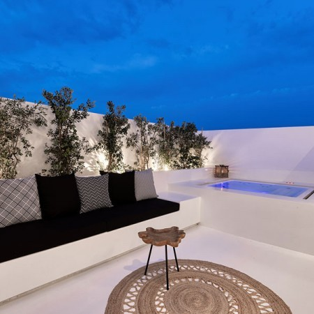 private balcony with Jacuzzi