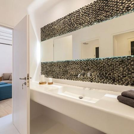 en-suite luxurious bathroom