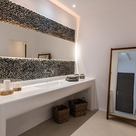 en-suite bath room