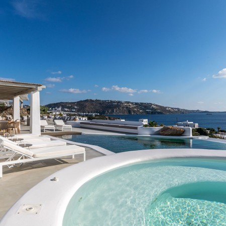 villa rental Mykonos with beach access