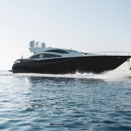 Blade 6 yacht charter Greece