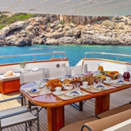 Efmaria yacht deck dining