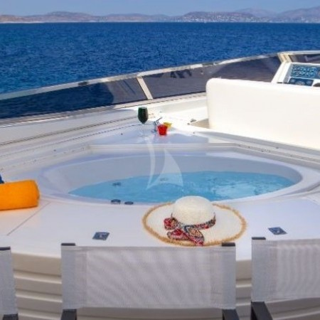 Efmaria yacht Jacuzzi