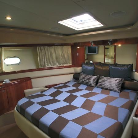 ferretti 59 master cabin