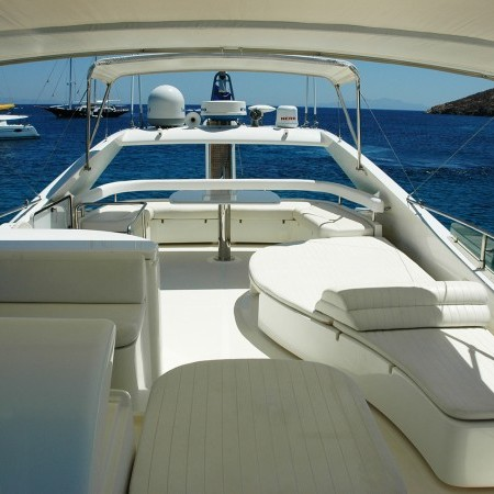 flybridge sun deck