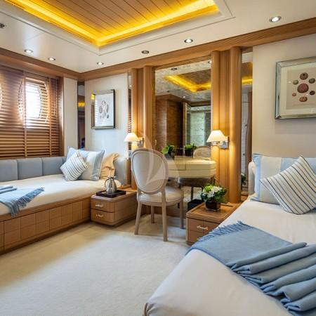 Marla yacht cabin