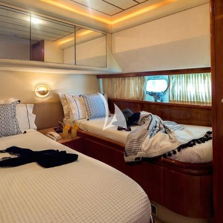 Meli yacht cabin