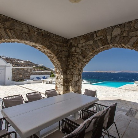 outdoor dining villa endless view