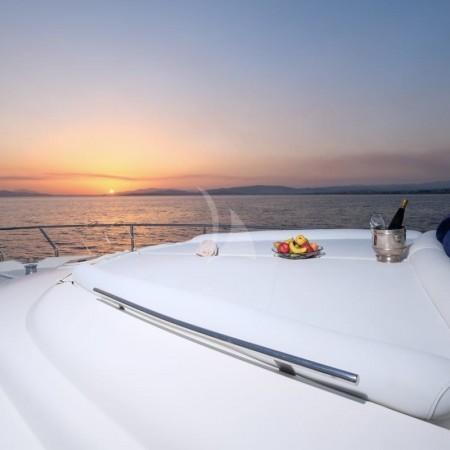Noe yacht sunpads