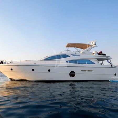 Noe yacht