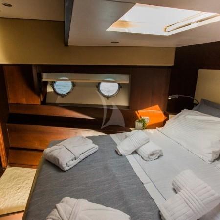 ulisse yacht cabin