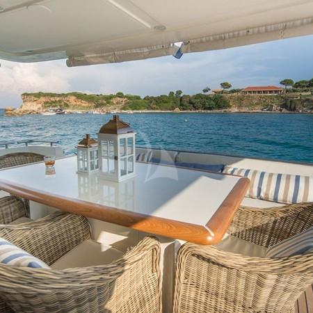 vento yacht deck