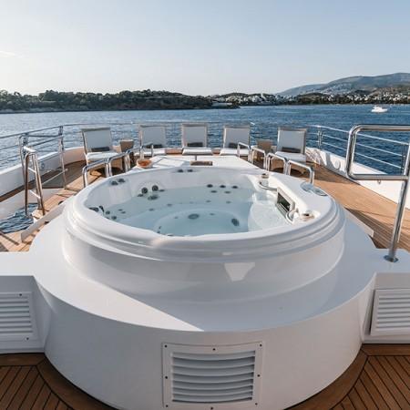 Vertigo Yacht Jacuzzi