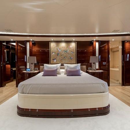 yacht's double cabin