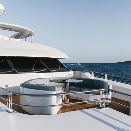 deck lounge