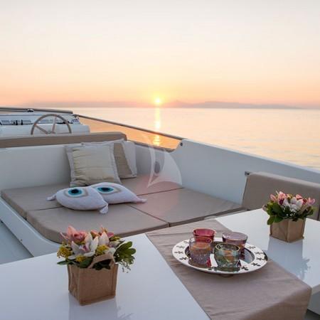 Acionna yacht deck