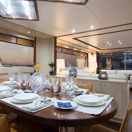 acionna yacht dining area