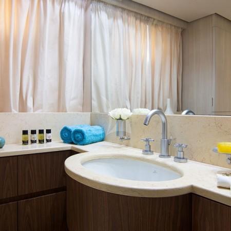 acionna yacht bathroom