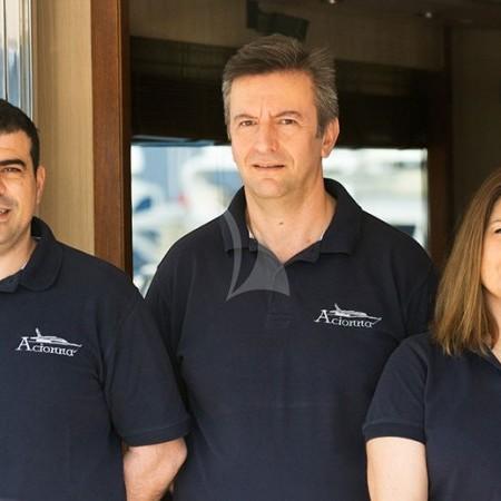 acionna yacht crew