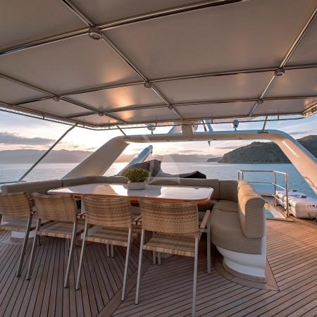 aquila yacht alfresco dining