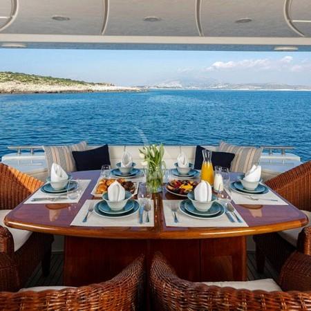 Astarte yacht deck dining