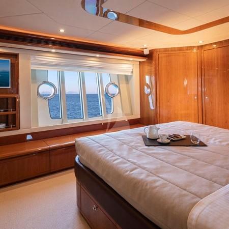 Astarte charter yacht