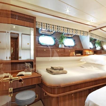 Atalanti yacht twin cabin