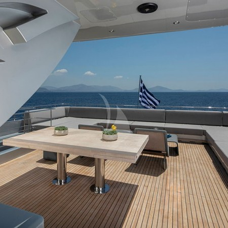 billa superyacht deck