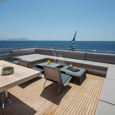 billa superyacht lounging area