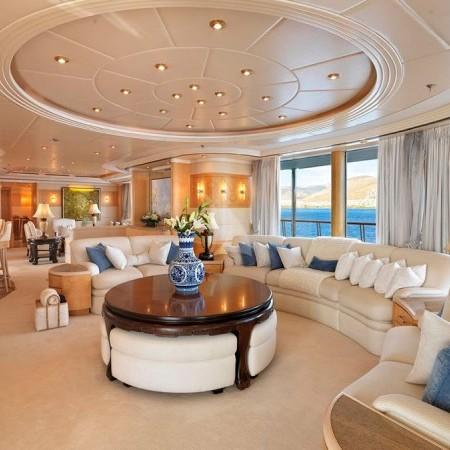 capri i yacht living room