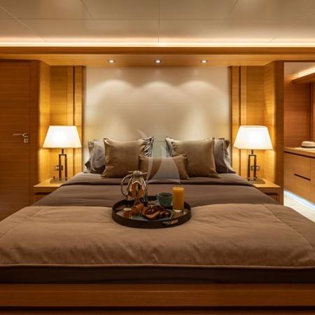 Celia yacht cabin