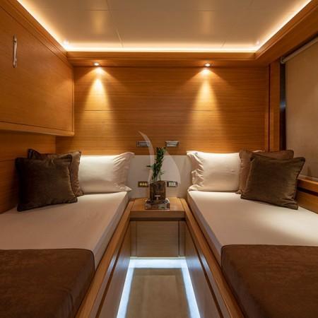 Celia luxury yacht twin cabin
