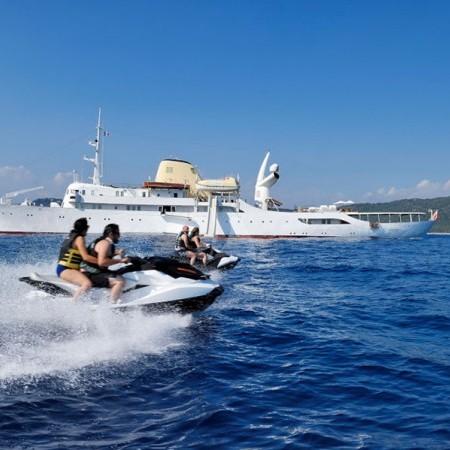 Christina O yacht Greece