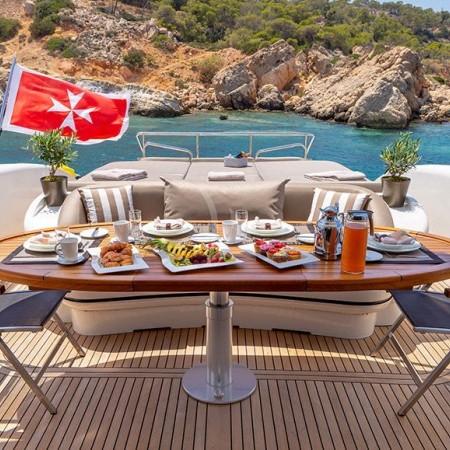 cosmos I yacht al fresco dining