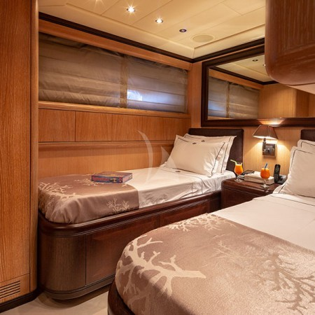 cosmos I yacht cabin