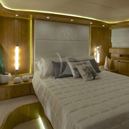 cud yacht cabin