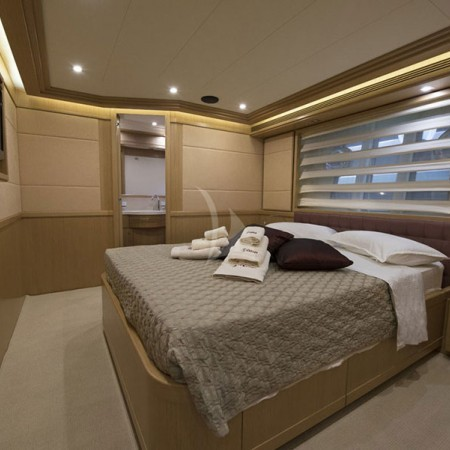 mykonos yachts